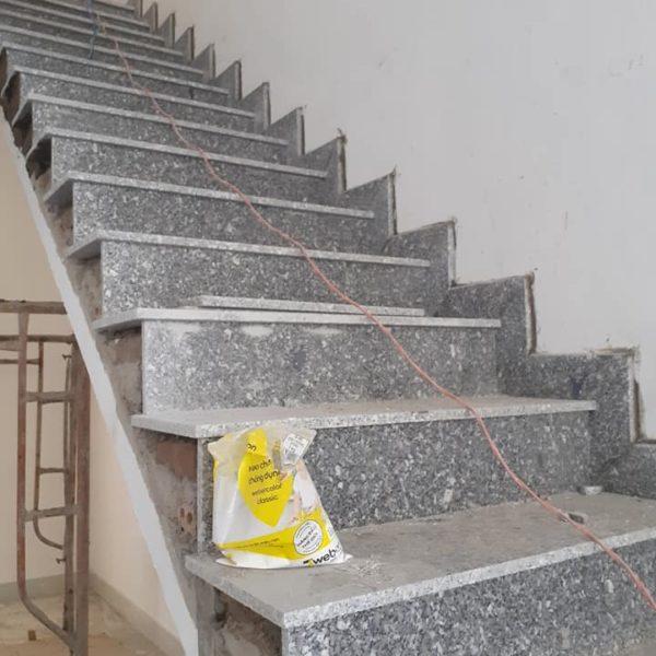đá tự nhiên ốp cầu thang