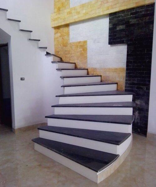 đá ốp cầu thang granite đẹp
