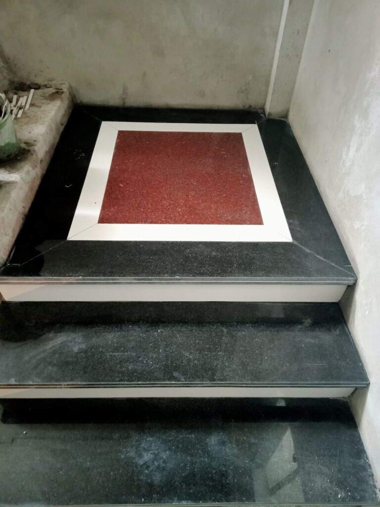 cầu thang ốp đá